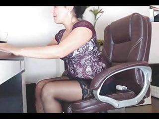 Mature legs videos - Legs demonstration, ch. 002 mature legs