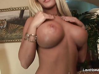 hot babes fucking pics