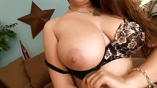 Bimbo shows off her amazing rack before fuck action