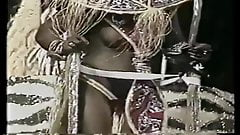 boob CARNAVAL SEXY BRAZIL 1992 MANCHETE hot girl