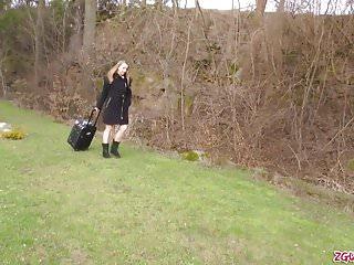 Sex grace - Olivia grace se regale de sucer une grosse queue