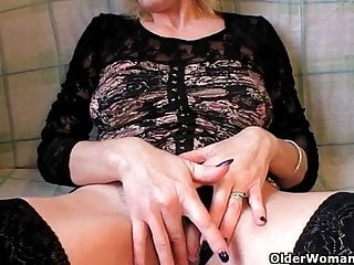 Fisting free granny Grannies and milfs fisting their mature pussy