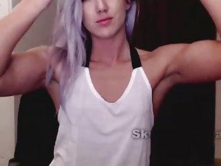 Gay boy flexing muscle Cute muscle girl flexes on cam