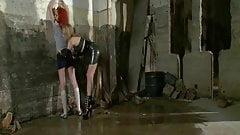 Lésbica bdsm - amante Lily Labeau tortura Phoenix Askani