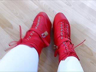 Ballet boot bondage discipline - Rubberdoll monique - heelless red ballet boots