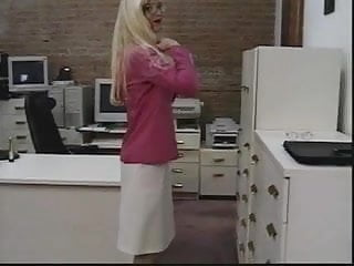 Show pink pussy Sexy blonde in glasses shows off her tight ass and toys her pink pussy