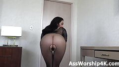 Wank your cock for Lily Lane's phat ass