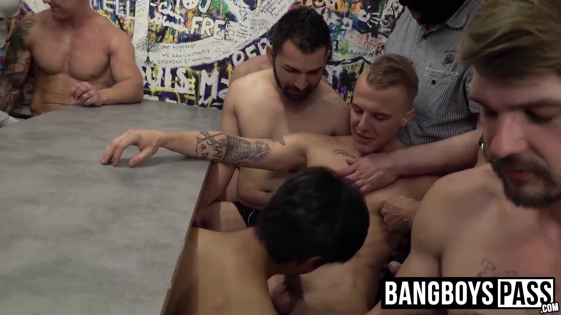 gay chubby men having sex