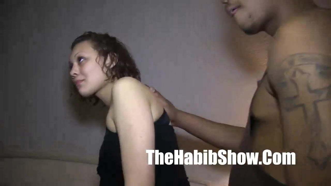 Big Booty Latina Sucks Dick