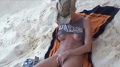 Beach Pussy Play.avi