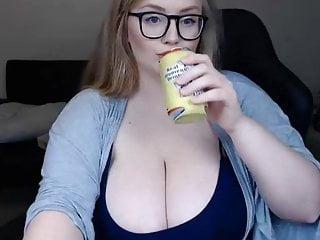 Busty american women Amazing bbw american women show her big white tits