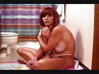 Busty redhead moms sucking - Busty milf twyla sucks the cum out