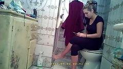 2 Visiting girls on vacation (hidden shower cam)