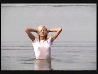 Teen bikini thong wet t shirt - Petite wet t-shirt j945312
