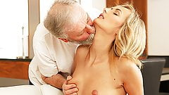 OLD4K. New morning starts for blonde and her old spouse...