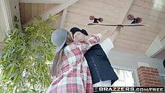 Brazzers - Baby Got Boobs -  No Skatewhoreding! scene starri