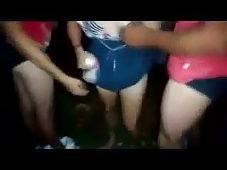 Sex with nas Casada puta dando pra dois moleques na rua