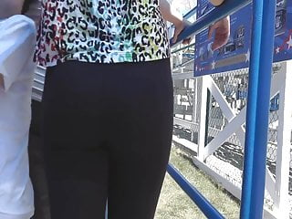 Whale sperm lip gloss Whale tail teen in leggings