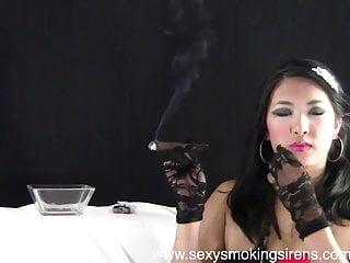 Elegant amateur women Sexy smoking sirens - cigar elegance 1