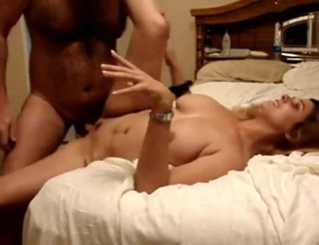 Hot Latina Makes Him Cum
