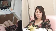 Amateur Japanese gal watch porn and blows