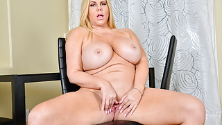 Well rounded milf Karen Fisher needs a pussy rub