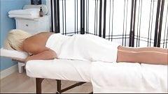 Bimbo massage