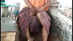 Local desi aunt showing pussy