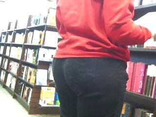 Mature milf full hips Candid: mature nerd wth wide hips, thick thighs plump butt