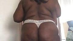 Solo ebony bbw twerks and shows massive huge tits