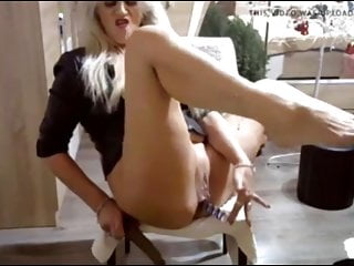 A womans best orgasm - The best hottest mature woman in front of camera ive seen