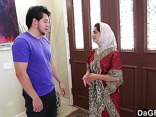 Shemale and chick - Dagfs - arabic chick nadia ali tastes white cock