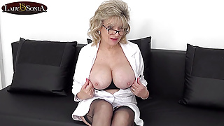 Sex therapy with beautiful mature Lady Sonia