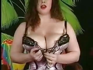 Milfs in bustiers - Do you like my bustier
