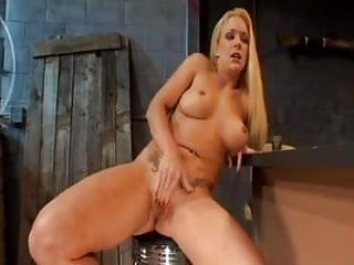 Lesbian squirt orgy - Lesbian bukkake 11