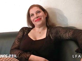 Lesbian ses - 2 cochonnes francaise se bouffent la chatte et se doigtent