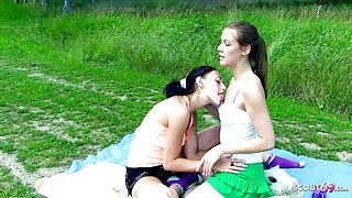 TINY ROLLERGIRLS FIRST LESBIAN SEX OUTDOOR AFTER COLLEGE