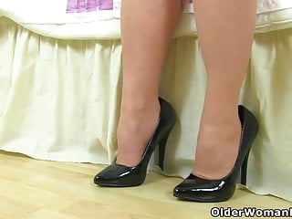 Knickers milf English milf lucy gresty didnt put on her knickers today
