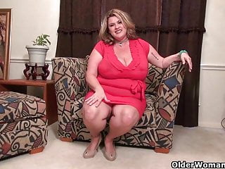Kaboom porn Bbw milf kimmie kaboom rubs her throbbing clit