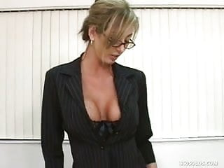 Porn librarians - Horny librarian babe checks out her pussy