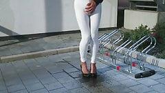 Pisciare in leggings