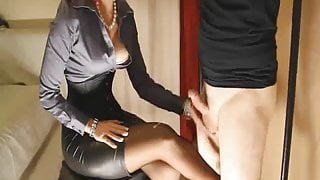 32. Governess Quinn - New Pantyhose (19-07-2011)