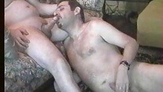 algaycho suck friend big dick