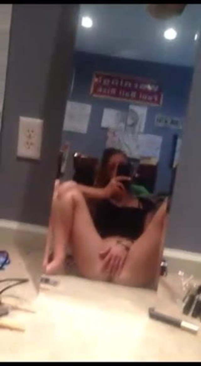 Girl Masturbation Work Amateur