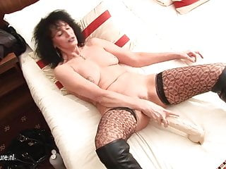 Free kinky mature sex - Kinky mature slut mom pumping herself with huge toys