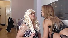 Księżniczka Nicole sprawia, że jej niewolnica staje się jej maminsynką