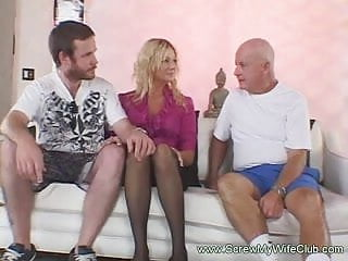 Live sex watch Hubby enjoyed watching his blonde wife on a live sex with a