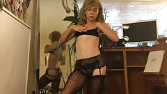 THIS TEEN TRANNY IS FUCKING SEXY !!! REALLY !!!!