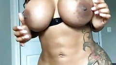 Hot Ebony Babe With Big Tits And Ass