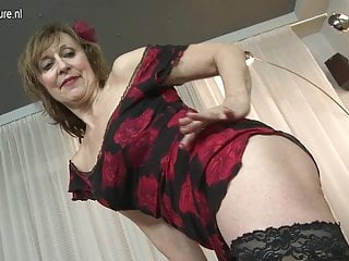 Vagina playing Naughty mature lady playing with her old vagina